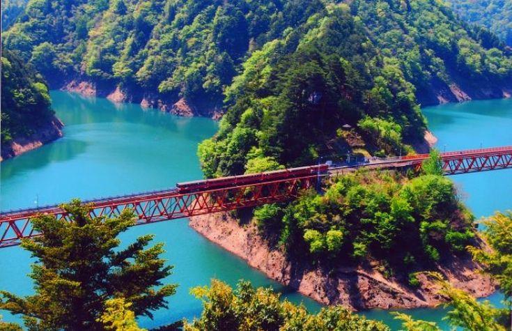 【静岡】陸の孤島は静岡県に存在した!? 秘境中の秘境「奥大井湖上駅」とは