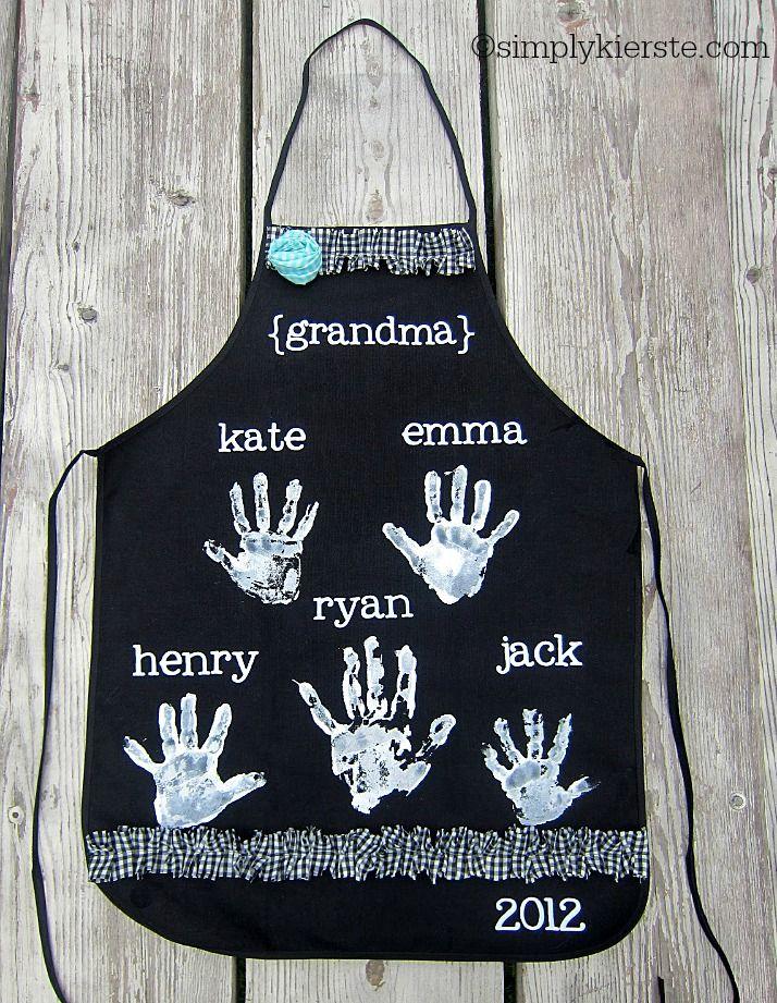 Mother's Day diy handprint aprons   simplykierste.com