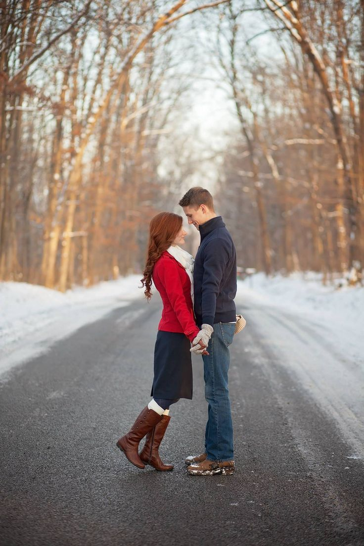 Tips for Engagement Photos | She's Intentional Blog | Meg Bowman Photography