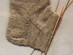 How to knit socks: 8 easy steps
