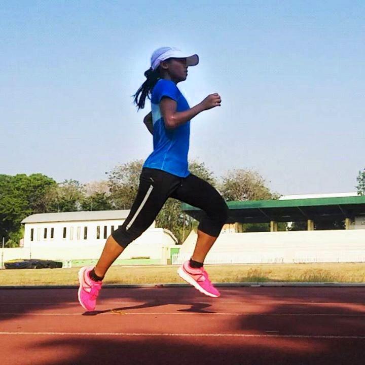 "Repost from Triyaningsih on Facebook. ""Run continuously to build your endurance"" #StepByStep #StayOnYourComfortPace #RelaxAndFocus #TriyaRunner #MorningRun #NB3190V2 #newbalance_indo #BeALongDistanceRunner #Endurance #ActiveWeekend"