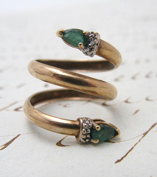 Vintage Gold Emerald & Diamond Snake Ring
