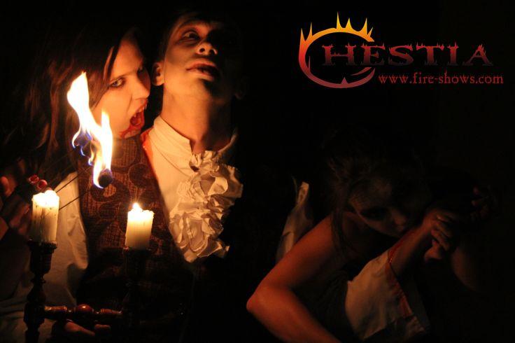 fire show, fire dance, fire juggler, fire juggling,fire fingers, vampire makeup , feuertanz
