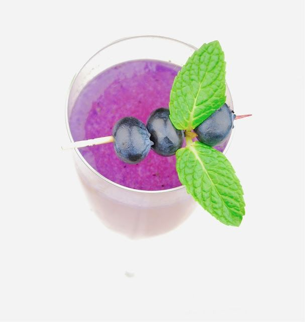 Blueberry-Pineapple Champagne Sparkler