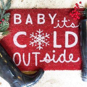 Christmas Doormat. Christmas Doormat Ideas. Christmas Doormat #ChristmasDoormat #Christmas #Doormat Aly McDaniel via Instagram @thedowntownaly