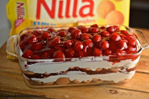 No-Bake Cherry Cheesecake Cookie Lasagna | Hugs and Cookies XOXO