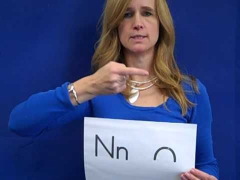 Excellent Visual Phonics demonstration - consonants only