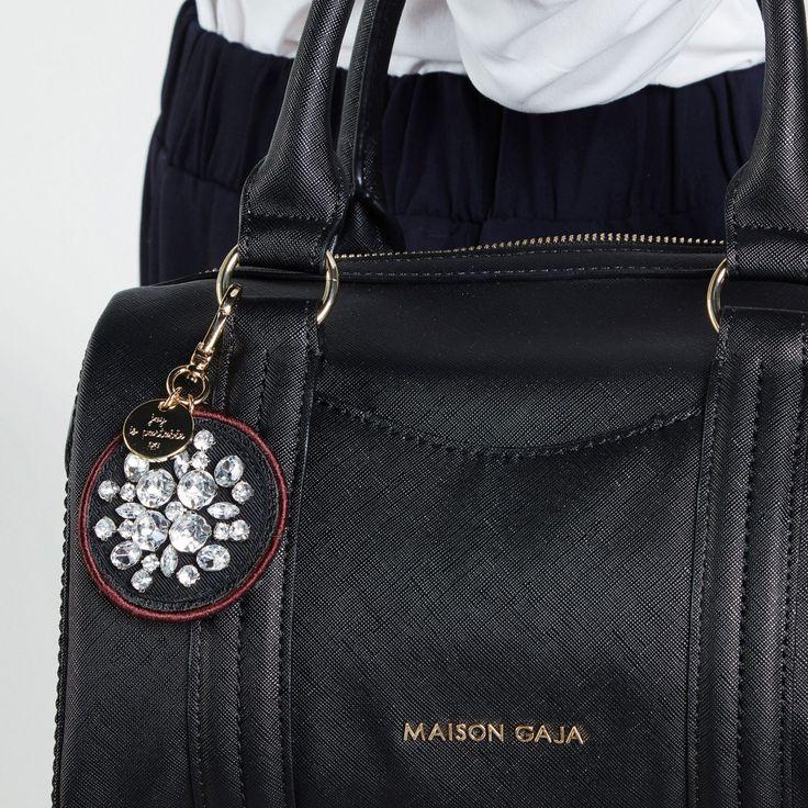 Utilisation du porte-clé «Croqueuse de diamants» de Maison Gaja
