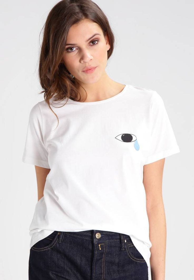 NMPATTY - T-shirt con stampa - snow white. #t-shirt #divertenti #fashion #moda Lunghezza:lunghezza normale. Lunghezza manica:Manica corta. Vestibilità:Normale. Materiale:jersey. Altezza del modello:La persona nella foto è alta 174 cm e veste una taglia 42. Avvertenze di lavag...