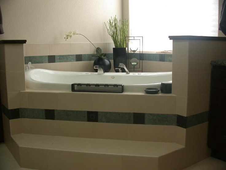 Corner bathtub walls color scheme step up higher for Bathroom designs normal