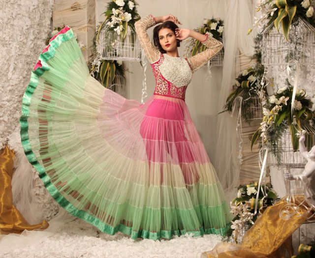 Browse Through Swati Agarwal Couture Indian Wedding Dresses And Lehenga Collection At MyShaadi Find The Perfect Dress By