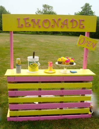 Best 25 lemonade stands ideas on pinterest for How to build a lemonade stand on wheels