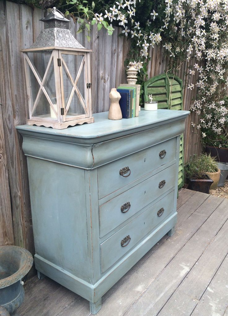 gorgeous vintage chest of drawers annie sloan 39 s duck egg blue with dark wax painted. Black Bedroom Furniture Sets. Home Design Ideas