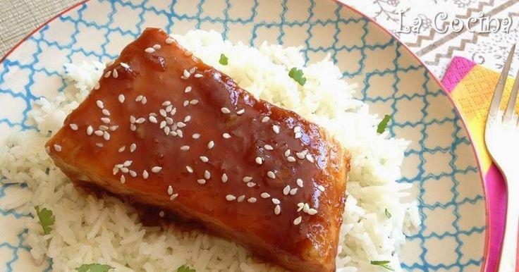 Twittear      Esta es una receta de inspiración japonesa muy fácil de hacer, cuyo resultado es muy rico y muy aparente. T...