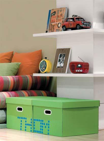 Caixas Stok verdes personalizadas - na revista Casa Cláudia