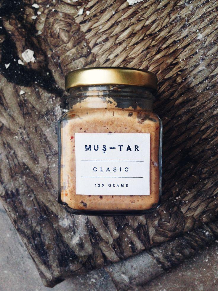 Homemade raw mustard packaging