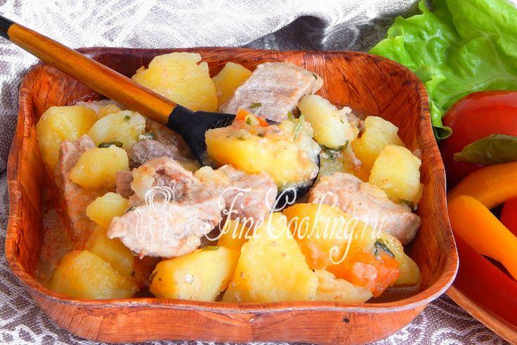 Тушеный картофель с мясом в мультиварке - рецепт с фото