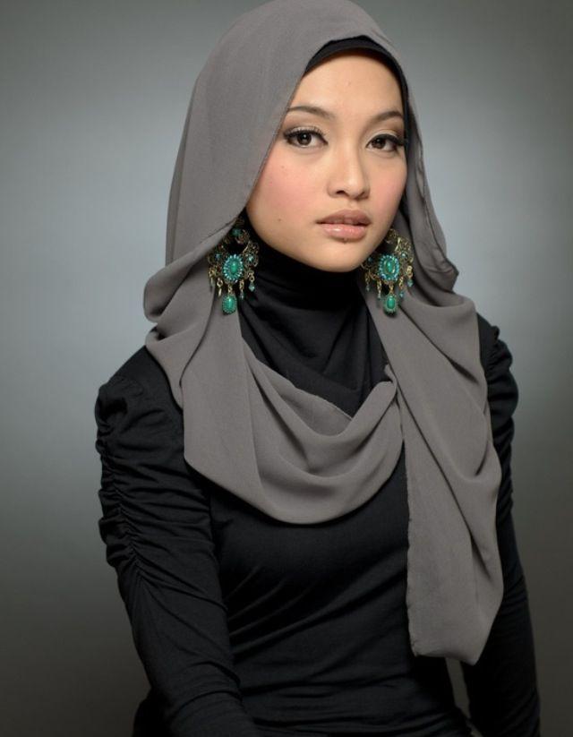 Hijab with earrings.. Love it