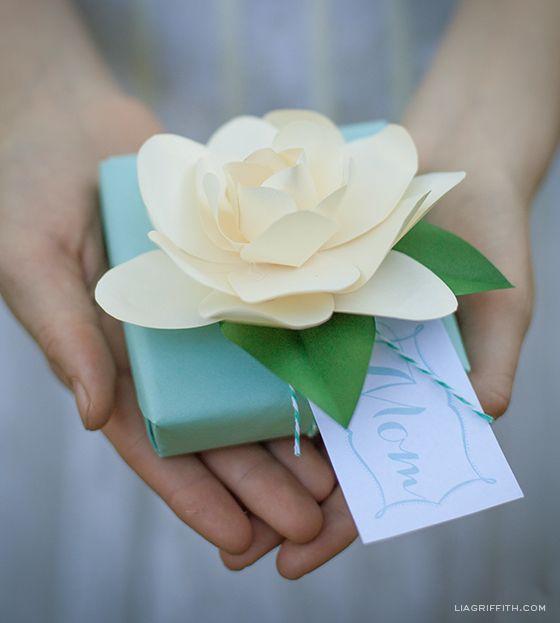 DIY Paper Gardenia #giftwrap #diyflowers #paperflowers