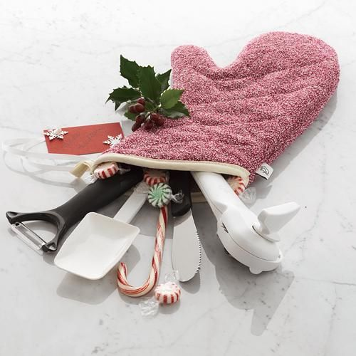 "A great way to give a reusable ""stocking"" filled with wonderful toys and gadgets!   www.PamperedChef.Biz/CookingWithCortneyS"