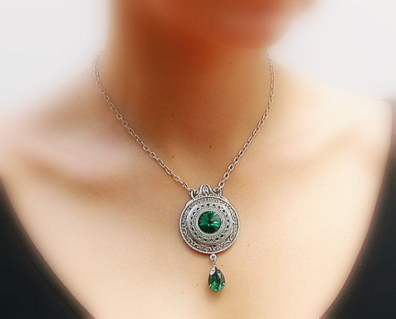 Emerald Swarovski Crystal Necklace   Victorian by LeBoudoirNoir, €47.00