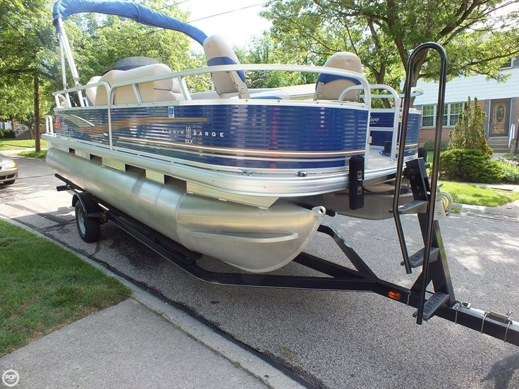 LOW HOURS ON THIS LIKE NEW 2013 FISHING MACHINE OR PARTY BARGE