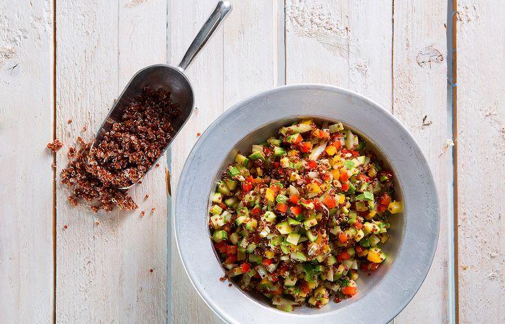 Σαλάτα με κινόα και λαχανικά σοτέ