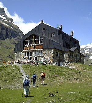 Valgrisenche (Valle d'Aosta) - Rifugio Bezzi si trova presso l'Alpe Vaudet di Valgrisenche, a quota di 2284 metri