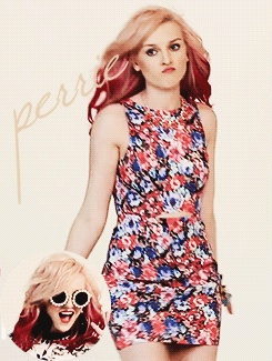 (gif) hahaha<<<<<<<<<  am i the only one that thinks perrie is like the louis of little mix...