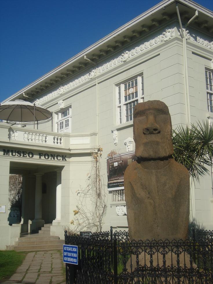 Vina del Mar, Chile, and the Easter Island Moai.