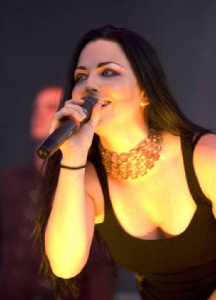 Nikki Skye