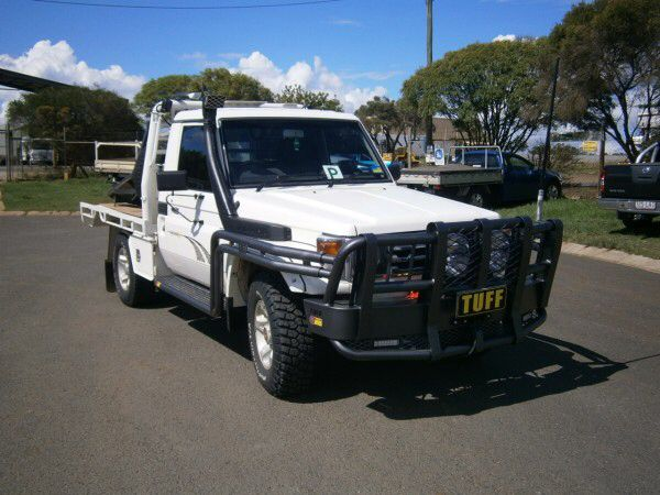 Image from http://www.tuffbullbars.com.au/media/SITE_19/media/images/product/enlarge/122831.jpg.