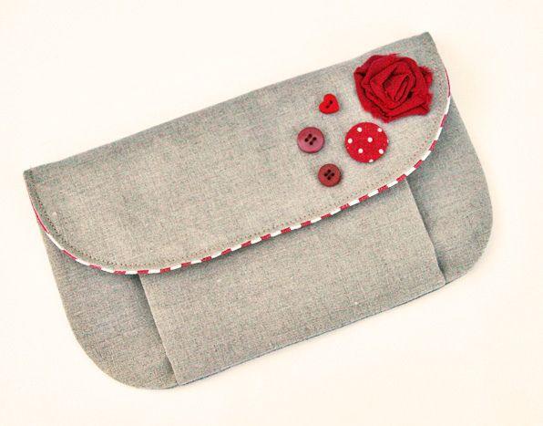 button roses pouch   Flickr : partage de photos !