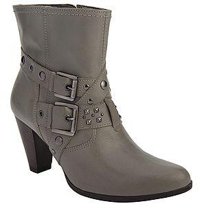 Se você adora sapatos e novidades em calçados, deve conhecer a Di Santinni, que conta com lindos sapatos femininos e masculinos! E a coleção da Di