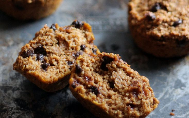 These pumpkin chocolate chip muffins from Ambitious Kitchen get a protein boost from protein powder and Greek yogurt. With no refined sugar and 6 grams of fiber from the oat bran, enjoy one as a light breakfast or a seasonally appropriate afternoon snack.