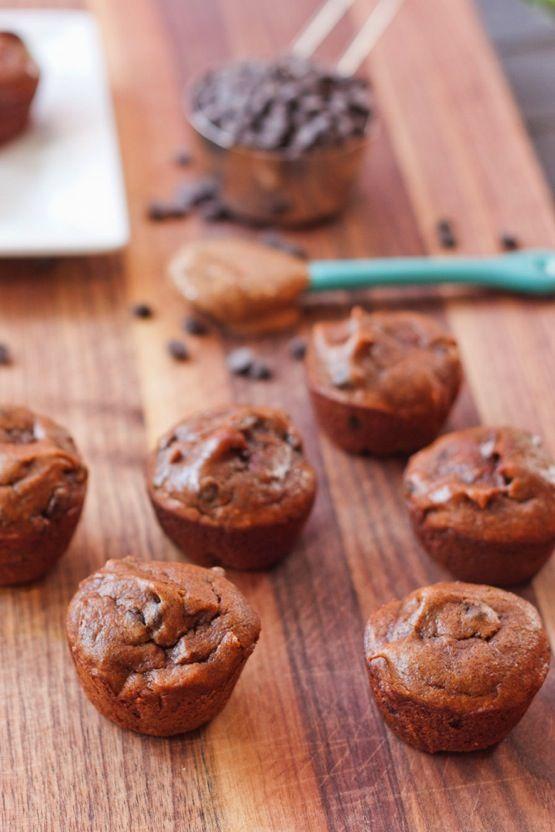 Flourless Pumpkin Spice + Chocolate Chip Mini Muffins < grain free, dairy…