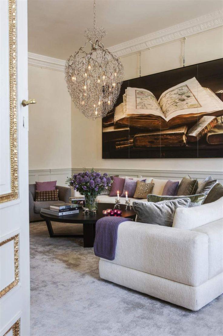 Kunglig elegans! vardagsrummet på haga slott har en modern och ...