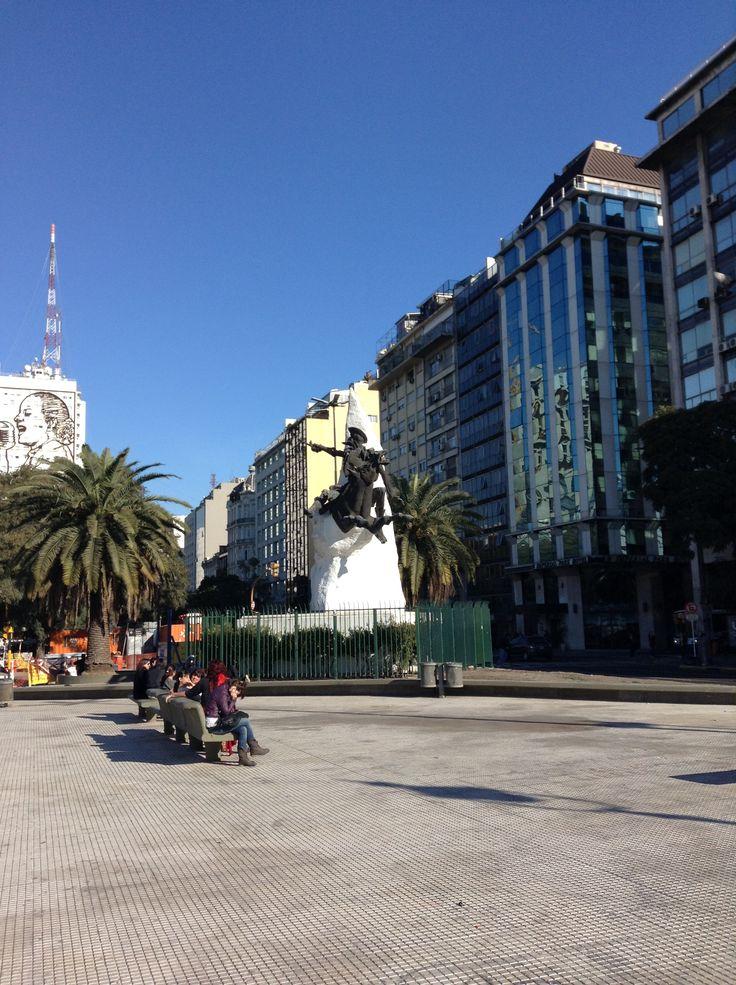 Don Quijote. Av. de Mayo.