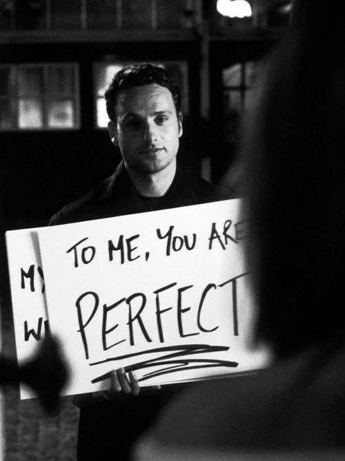 """""""To me you are perfect """" Love Acually. La plus BELLE déclaration d'amour possible!"""