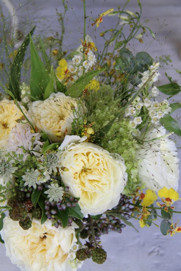 pale lemon wedding flowers wedding ideas for brides
