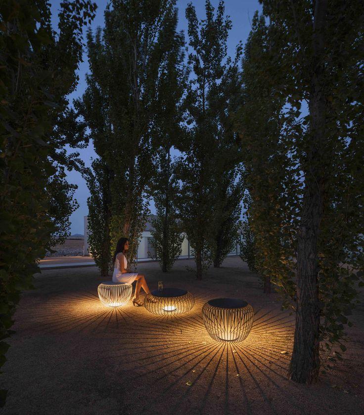Meridiano outdoor light designed by Jordi Vilardell & Meritxell Vidal. http://www.vibia.com/en/lamps/show/id/471210/outdoor_lamps_meridiano_4712_design_by_jordi_vilardell_meritxell_vidal.html?utm_source=pinterest&utm_medium=organic&utm_campaign=meridiano