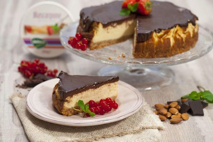 Va intrebati care este combinatia ideala intr-un desert? Noi avem o idee ndash; muuuulta branza si muuuulta ciocolata! Nu ne credeti? Incercati!