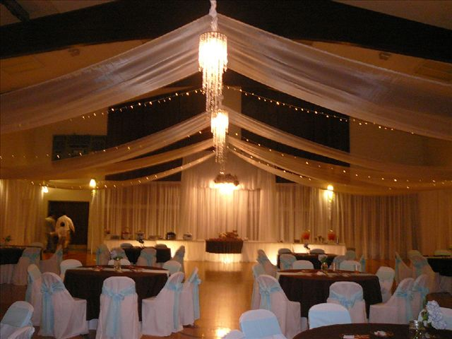 Wedding reception decoration transforming a cultural for Wedding reception room decoration ideas