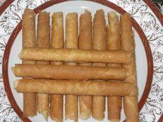 Resep kue egg roll renyah a la Monde dan cara membuat kue egg roll homemade dan tips menggulung kue egg roll saat berada di cetakan egg roll dengan mudah