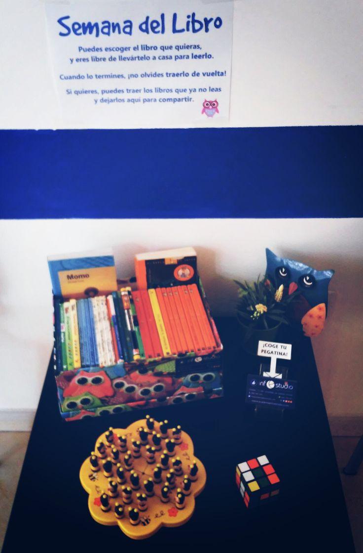 Nuestro rinconcito preparado para el Día del #Libro. Pedimos a nuestros alumnos que traigan todos los libros que ya no lean para compartirlos. A final del mes donaremos todos los libros... ¿Te unes a nosotros?