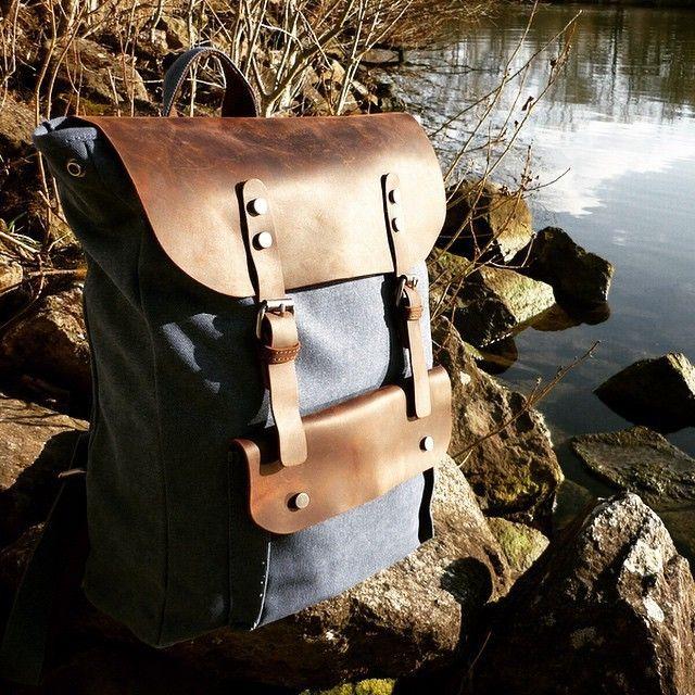 Nordlicht Vintage Backpack | Dark Blue  #nordlichtbags #rucksack #potd #backpack #unique #style #canvas #segeltuch #leder #leather #vintage #einzigartig #nordlicht #tasche #design #mode #potd #fashion #bag #picoftheday #handtasche #umhängetasche #schultertasche #handbag #shoulderbag