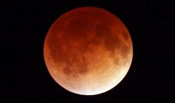 Full Moon Eclipse (Blood Moon) 8th October 2014, article by Kim Nosworthy-Lovelace