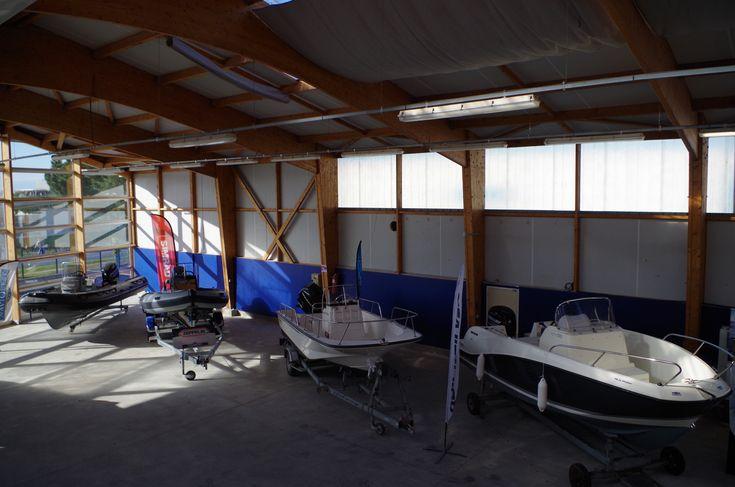 Atelier De Reparation Navi Ouest Et De Vente De Bateaux Moteur Neufs Et D Occasion A Brest Dans Le Finistere En Bretagne Http Ww Bateaux Bateau Moteur Brest