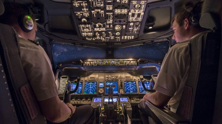 Our little workspace….. The cockpit of a Boeing 737-800 (PH-TFD) en-route from Antalya to Amsterdam at 36.000 feet.