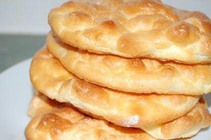 Jag har länge funderat på vad Oopsie-bröd var för något. Äntligen har jag hittat receptet! Jag delar med mej av det, men jag har inte testat...